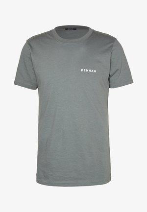 BRAND TEE - Triko spotiskem - sedona sage grey