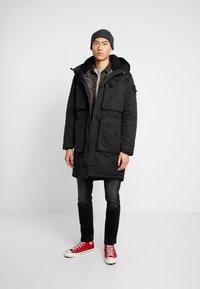 Denham - FLUKE - Zimní kabát - shadow black - 1