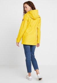 Derbe - PENINSULA FISCHER - Vodotěsná bunda - yellow - 2