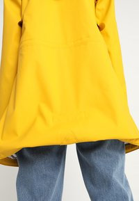 Derbe - TRAVEL FRIESE STRIPED - Parka - yellow/blue - 3