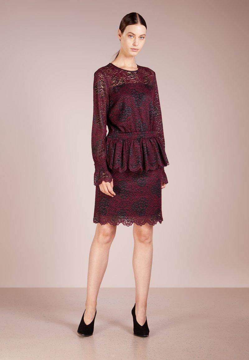 DESIGNERS REMIX - VERONICA DRESS - Cocktail dress / Party dress - burgundy