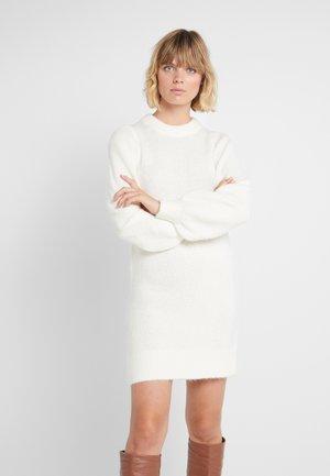 CARESS SLEEVE DRESS - Strikket kjole - creme