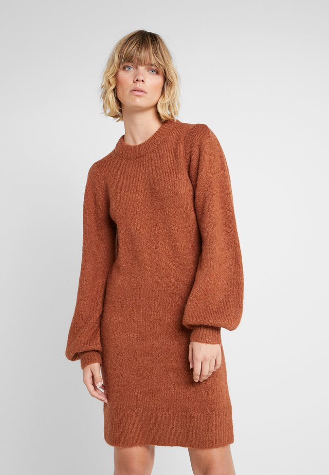 CARESS SLEEVE DRESS - Jumper dress - mahogany