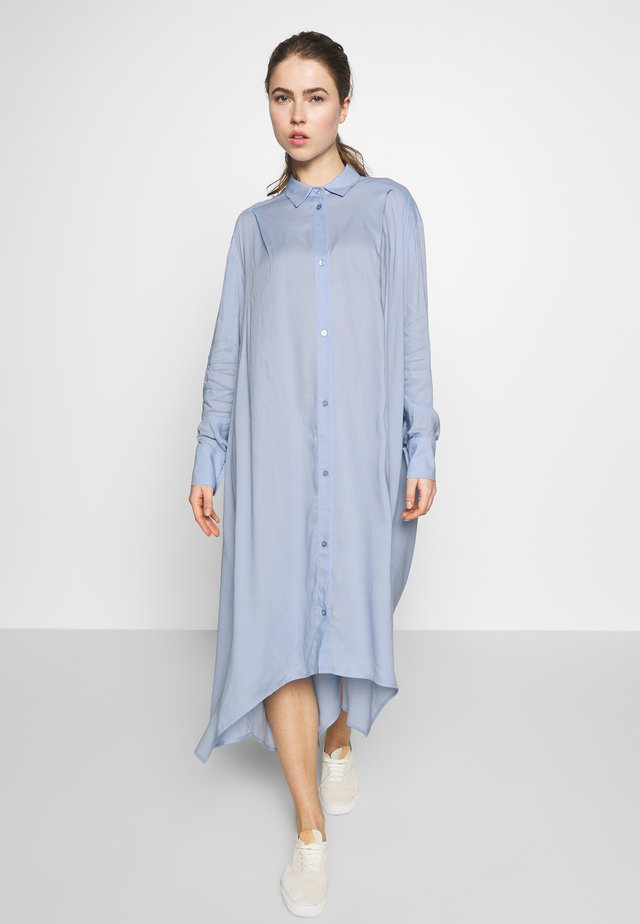 AYONESS LONG SHIRT - Blousejurk - light blue