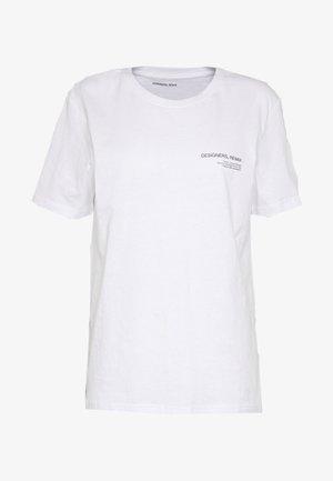 STANLEY LOGO TEE - Jednoduché triko - white
