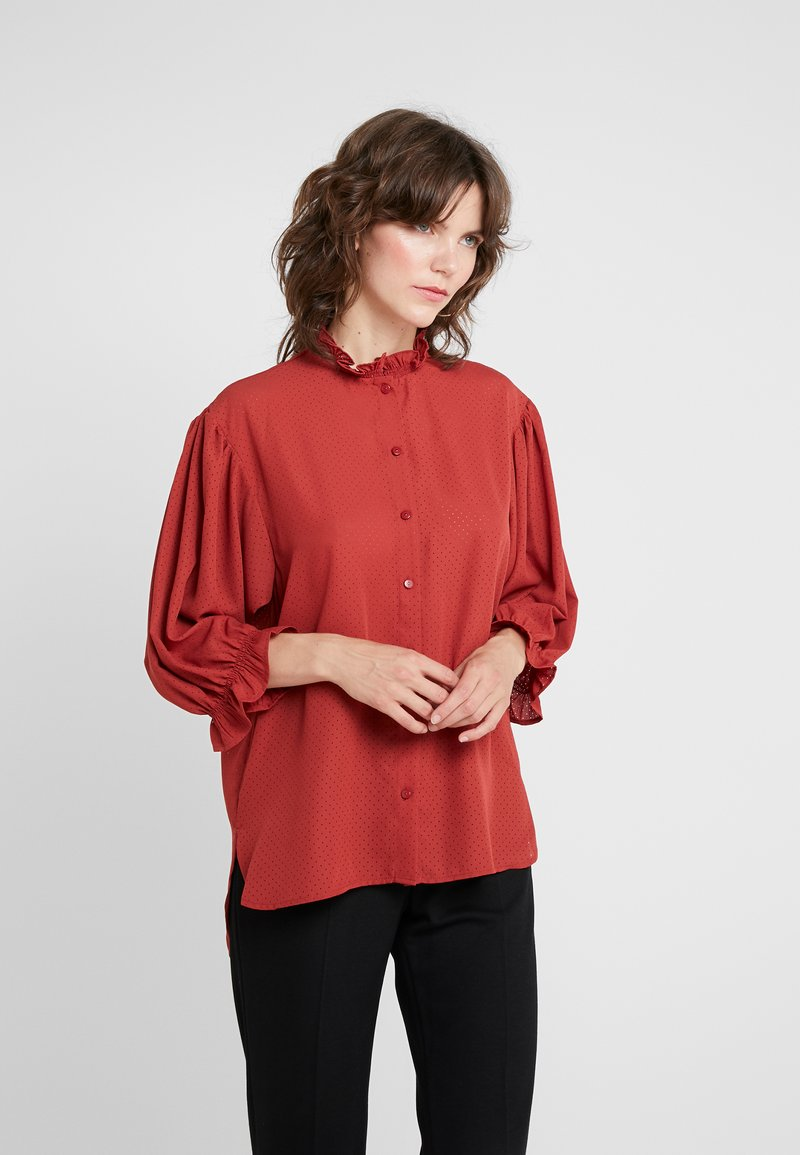 DESIGNERS REMIX - BYRON RUFFLE SHIRT - Button-down blouse - ox blood