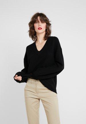 SILVIA - Stickad tröja - black