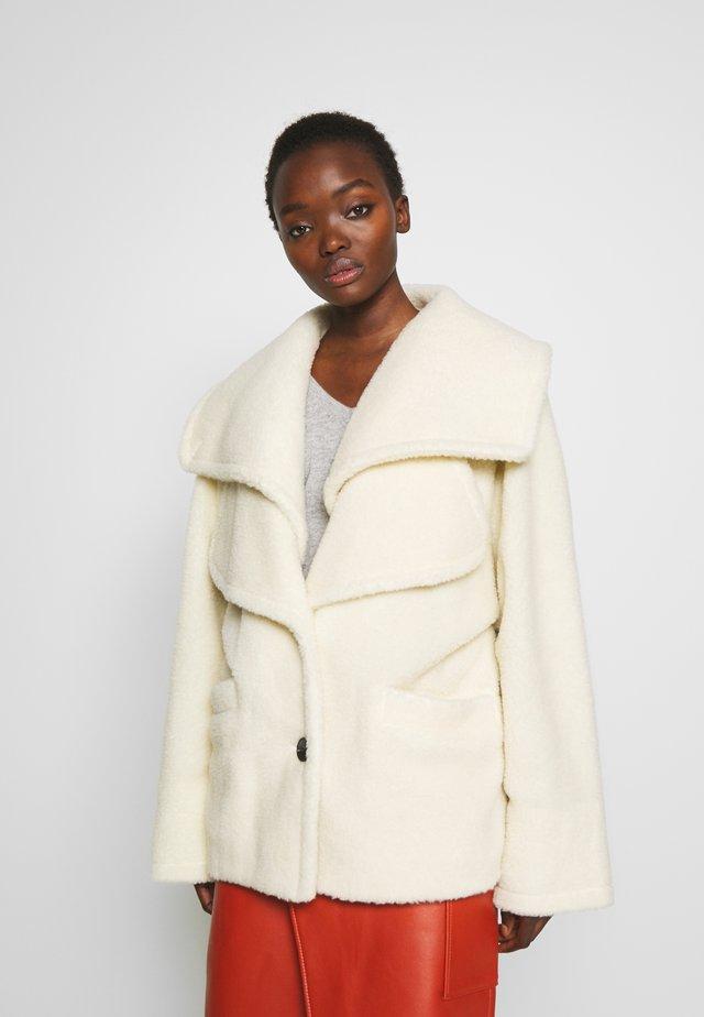 BETH COAT - Winter jacket - cream