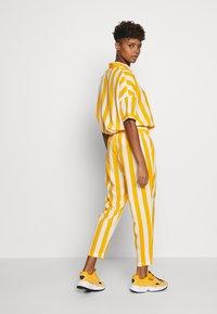 Dedicated - PANTS SKAGEN  - Kalhoty - yellow - 2