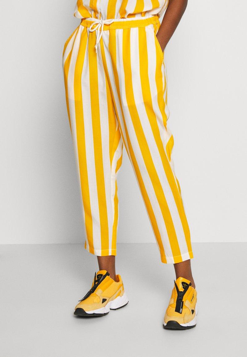 Dedicated - PANTS SKAGEN  - Kalhoty - yellow