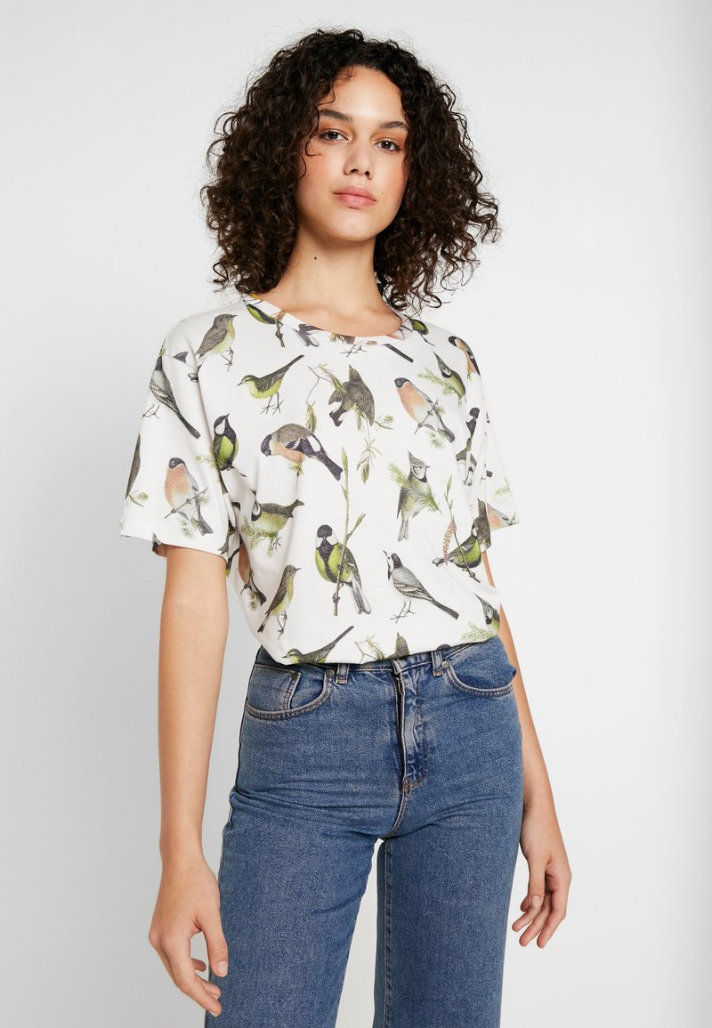 Dedicated - VISBY AUTUMN BIRDS - Print T-shirt - off-white