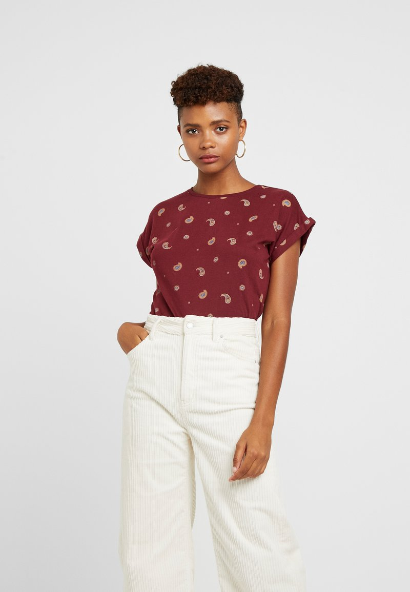 Dedicated - VISBY PAISLEY - Print T-shirt - burgundy