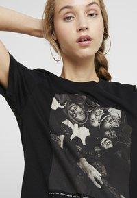 Dedicated - MYSEN WU-TANG CREW - Print T-shirt - black - 4