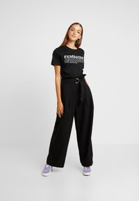 Dedicated - MYSEN FEMINISM - Print T-shirt - black - 1