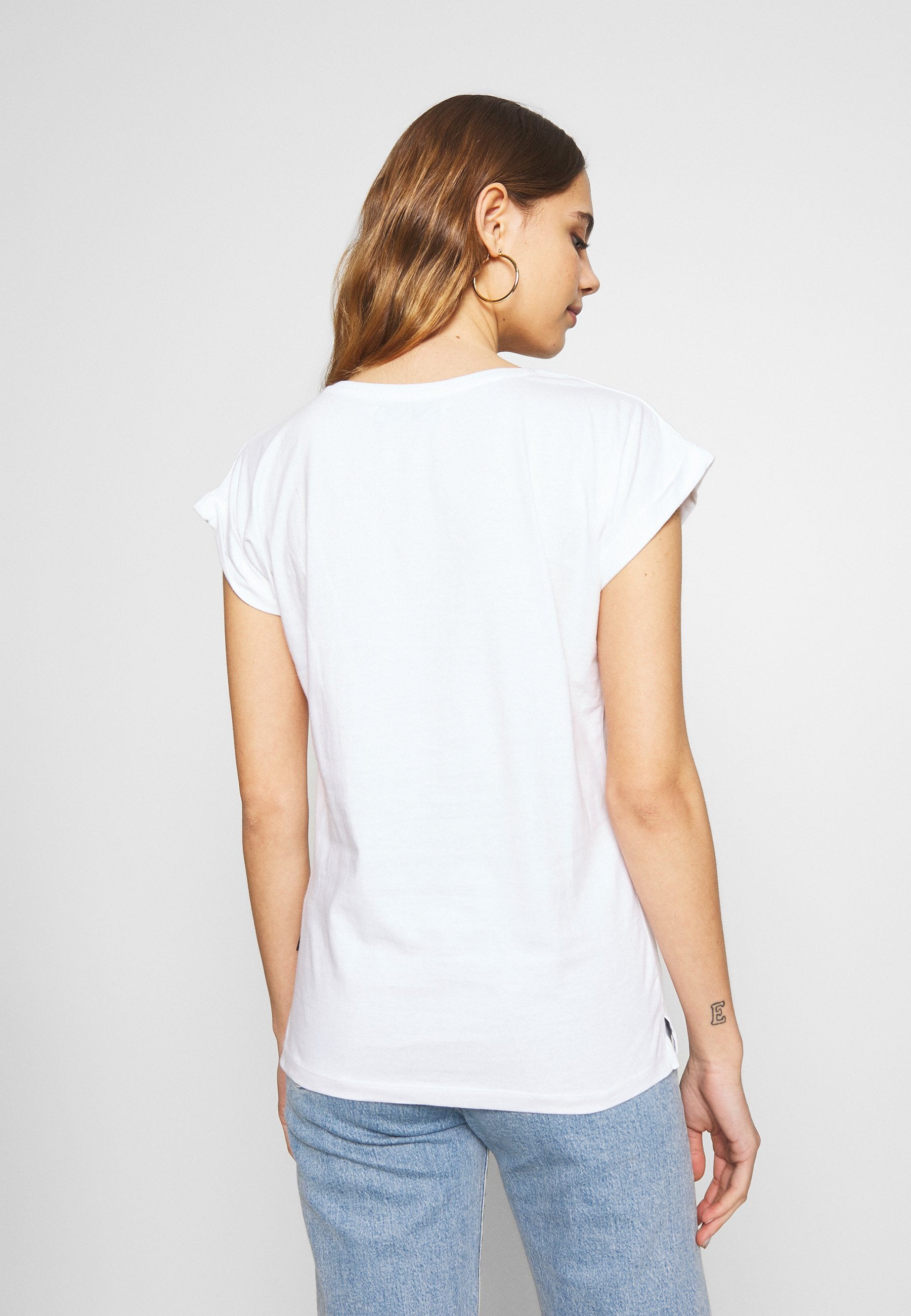 Dedicated VISBY PARROT WINGS - T-shirts med print - white