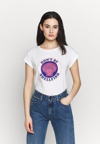 Dedicated - VISBY SHELLFISH - Print T-shirt - offwhite - 0