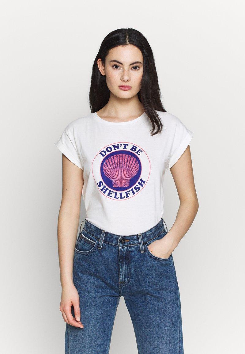 Dedicated - VISBY SHELLFISH - Print T-shirt - offwhite