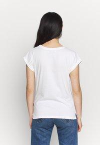Dedicated - VISBY SHELLFISH - Print T-shirt - offwhite - 2