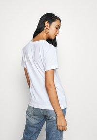 Dedicated - MYSEN WORTH PROTECTING - Print T-shirt - white - 2
