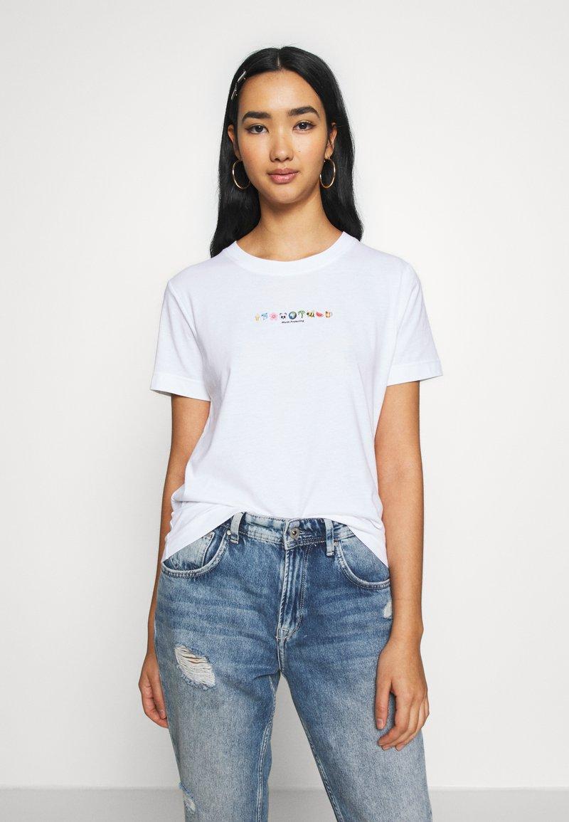Dedicated - MYSEN WORTH PROTECTING - Print T-shirt - white