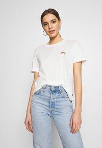 Dedicated - MYSEN RAINBOW - Print T-shirt - off-white - 0