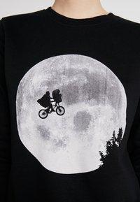 Dedicated - YSTAD ET MOON - Sweatshirts - black - 5