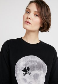 Dedicated - YSTAD ET MOON - Sweatshirts - black - 3