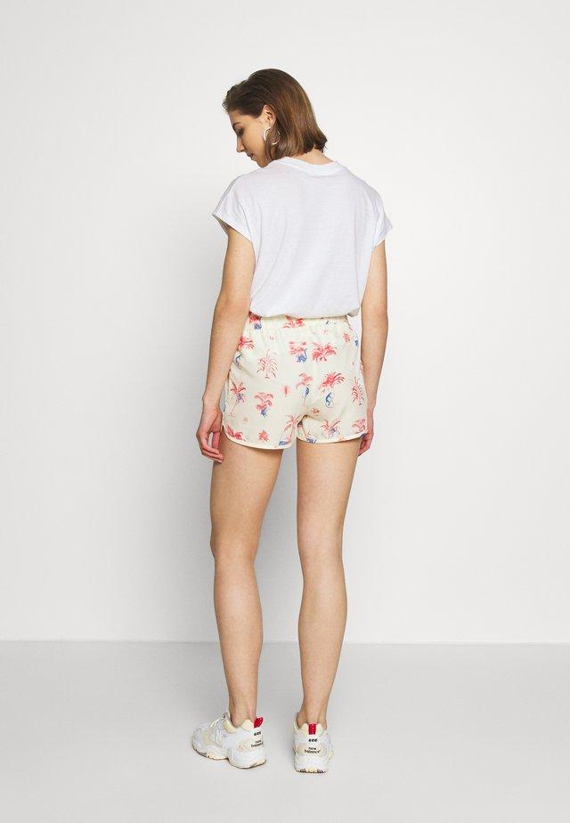 SANDVIKA MONKEY TREES - Shorts - off white