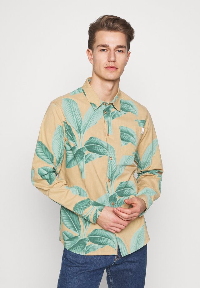 VARBERG LEAVES - Shirt - green