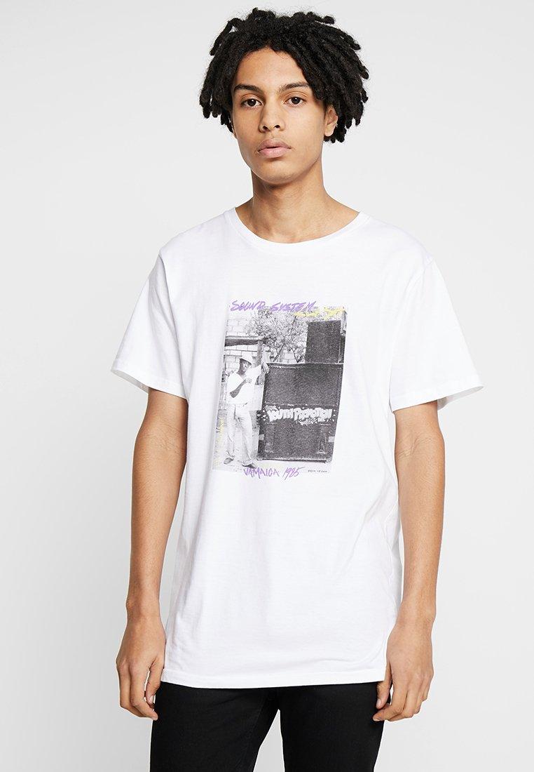 Dedicated - SOUND SYSTEM CLASH - T-shirts print - white