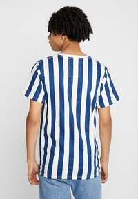 Dedicated - BIG STRIPES - T-shirts print - off-white - 2