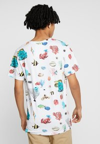 Dedicated - CORAL REEF - T-shirts print - off-white - 2