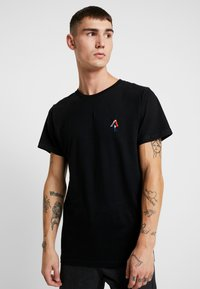 Dedicated - STOCKHOLM BACK SCRATCH - T-shirt print - black - 0