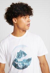 Dedicated - STOCKHOLM BACK TO REALITY - Print T-shirt - white - 3