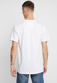Dedicated - STOCKHOLM SAVE THE ARCTIC - Camiseta estampada - white - 2