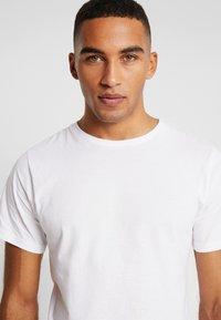 Dedicated - STOCKHOLM - T-shirt basic - white - 3