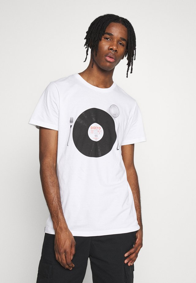 STOCKHOLM RECORD MEAL - Print T-shirt - white