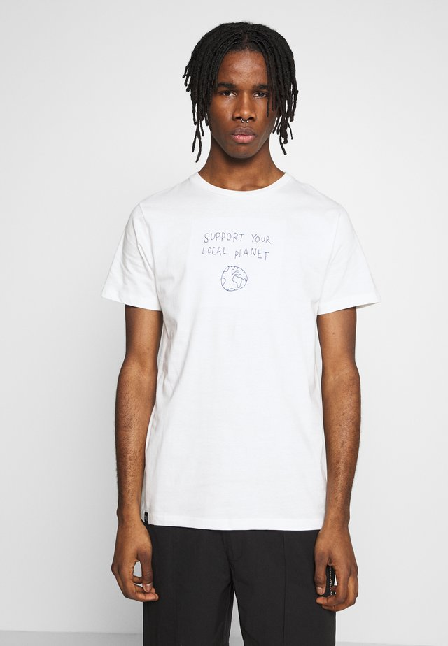 STOCKHOLM LOCAL PLANET - T-shirt z nadrukiem - off-white