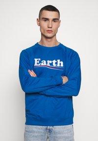 Dedicated - MALMOE VOTE EARTH - Mikina - blue - 0