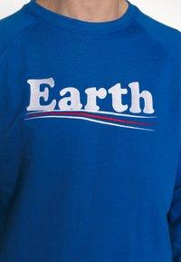 Dedicated - MALMOE VOTE EARTH - Mikina - blue - 5