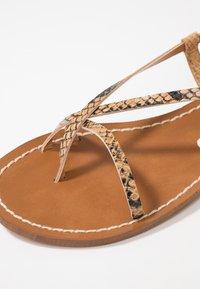 Depp - Sandály s odděleným palcem - sand - 2
