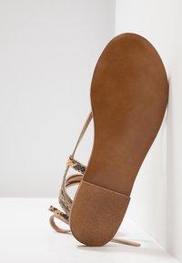 Depp - Sandály s odděleným palcem - sand - 6