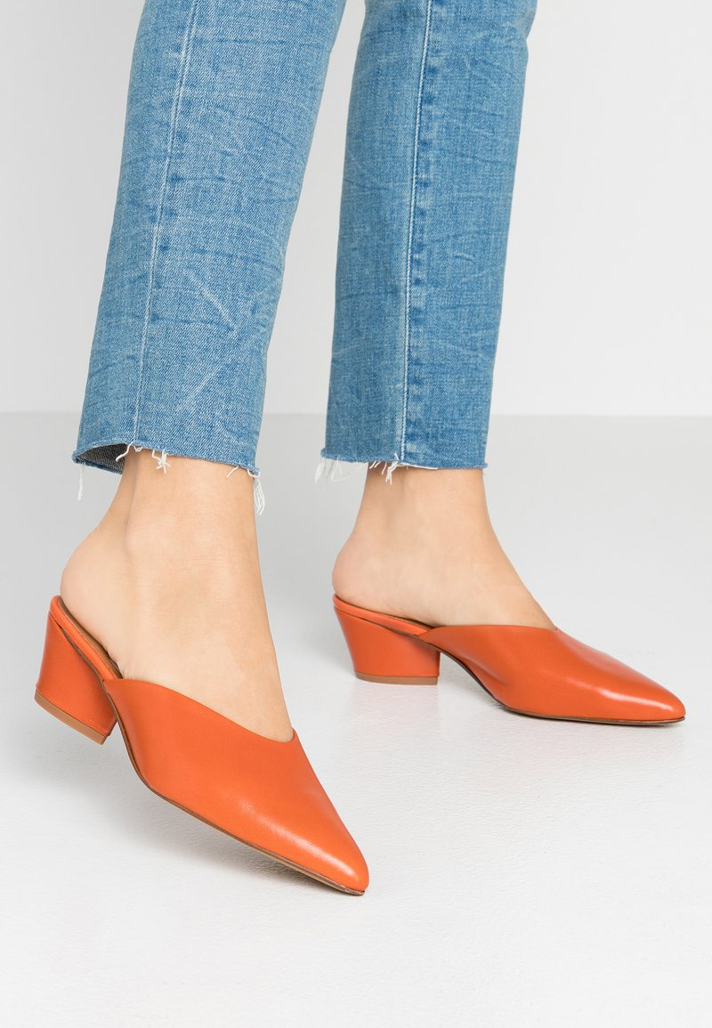 Depp - Pantofle na podpatku - ceramica mestizo