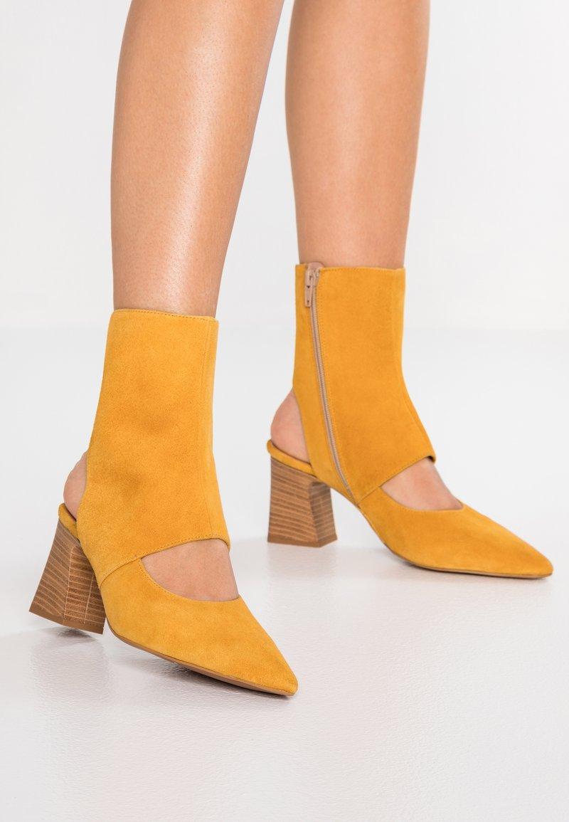 Depp - Kotníkové boty - maya
