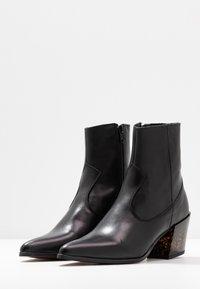 Depp - Kovbojské/motorkářské boty - black - 4