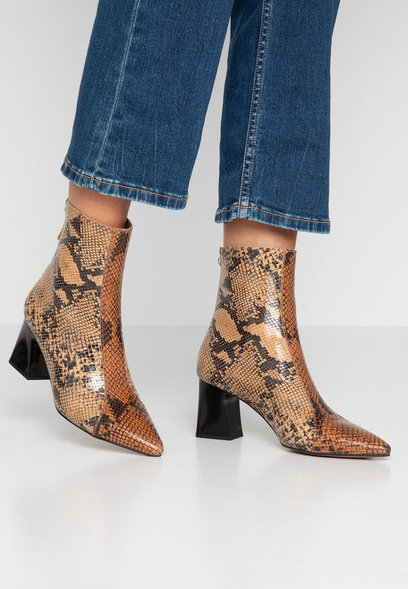Depp - Classic ankle boots - sand/whisky