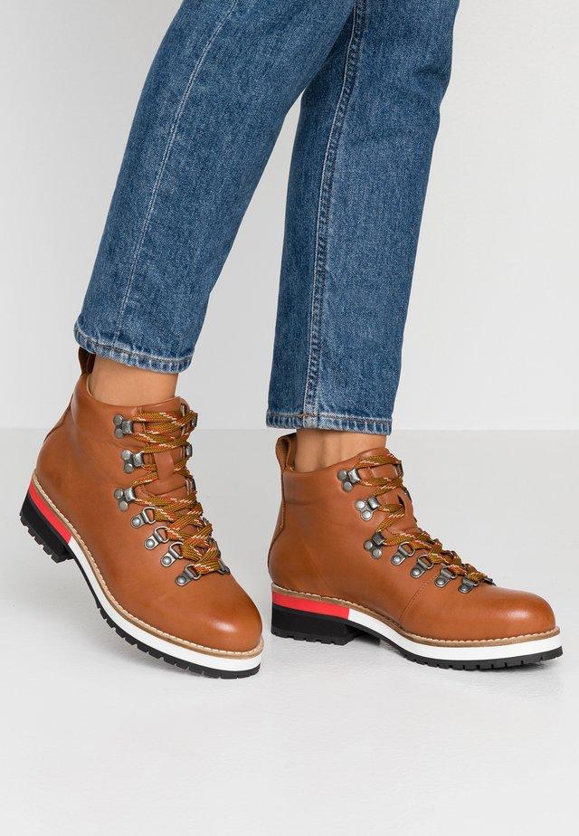 Boots à talons - coñac