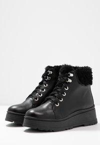 Depp - Kotníkové boty na platformě - black - 4