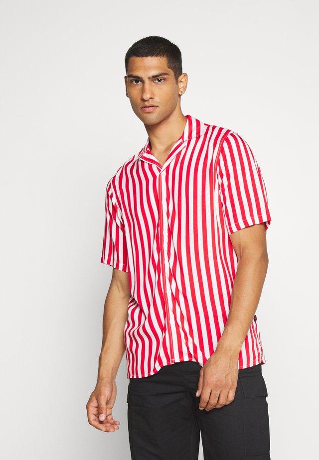 NEW CUBA - Shirt - red/white