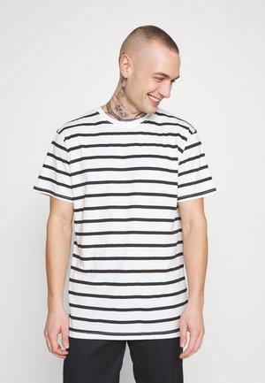 MARCOS STRIP TEE - T-shirt z nadrukiem - white/black